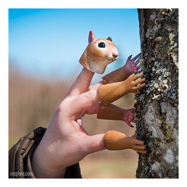 Handi Squirrel Fingerdocka